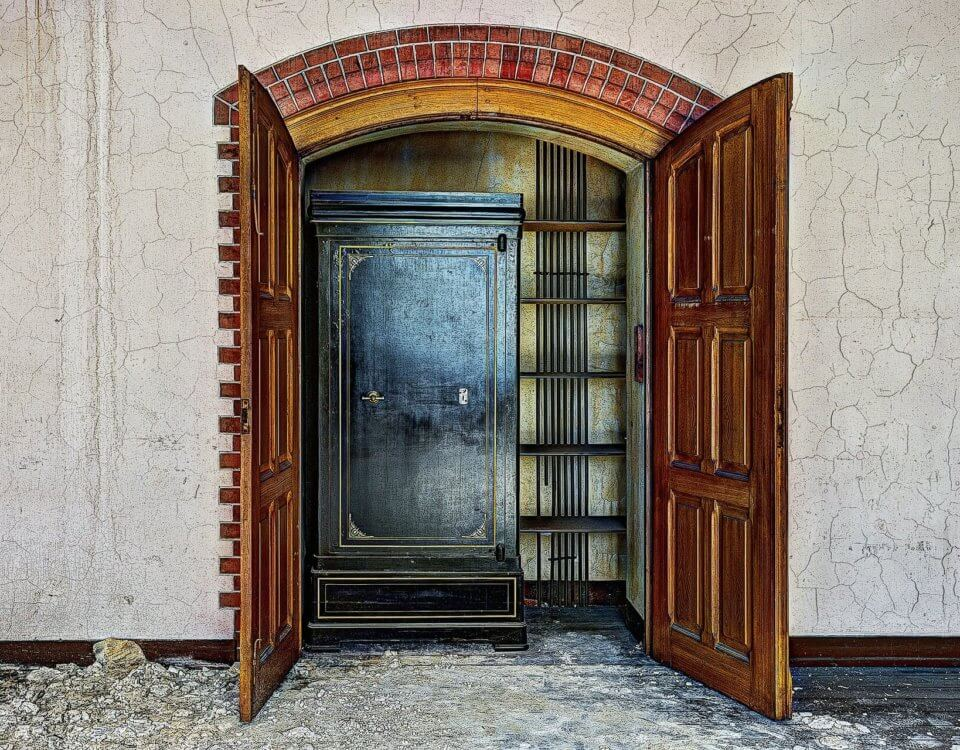 closet 426388 1920 960x750 - Safes Add Another Layer of Security to Homes and Businesses